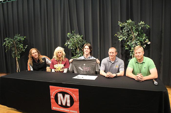 Keelan-Murphy-Signing