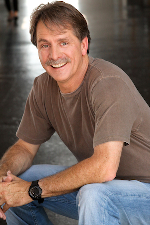 Comedian and best-selling author Jeff Foxworthy will speak at the 57 th Annual Freed-Hardeman University Benefit Dinner.