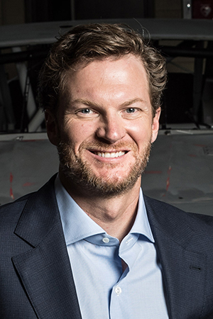NASCAR legend Dale Earnhardt Jr. will speak at Freed-Hardeman University's annual benefit dinner.
