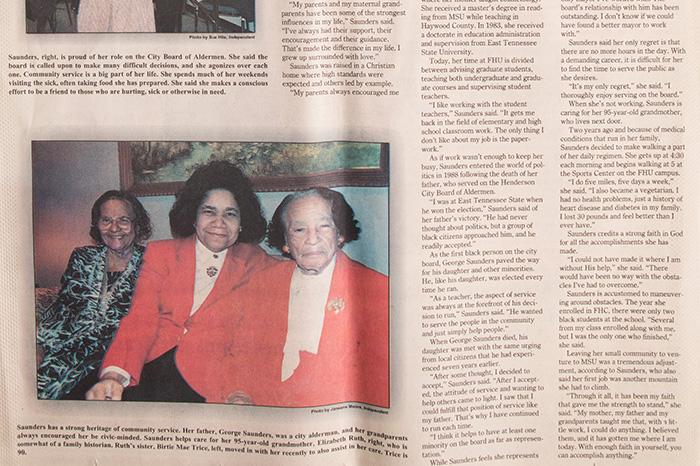 SaundersNewspaper_BW4A9364